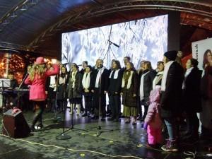 Vystúpenie Zboru Anky Repkovej - Spievanie nás baví na Staromestských vianočných trhoch v Bratislave