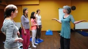 Foto z workshopu Rezonancia - ako pracuje hlas? s Imke McMurtrie
